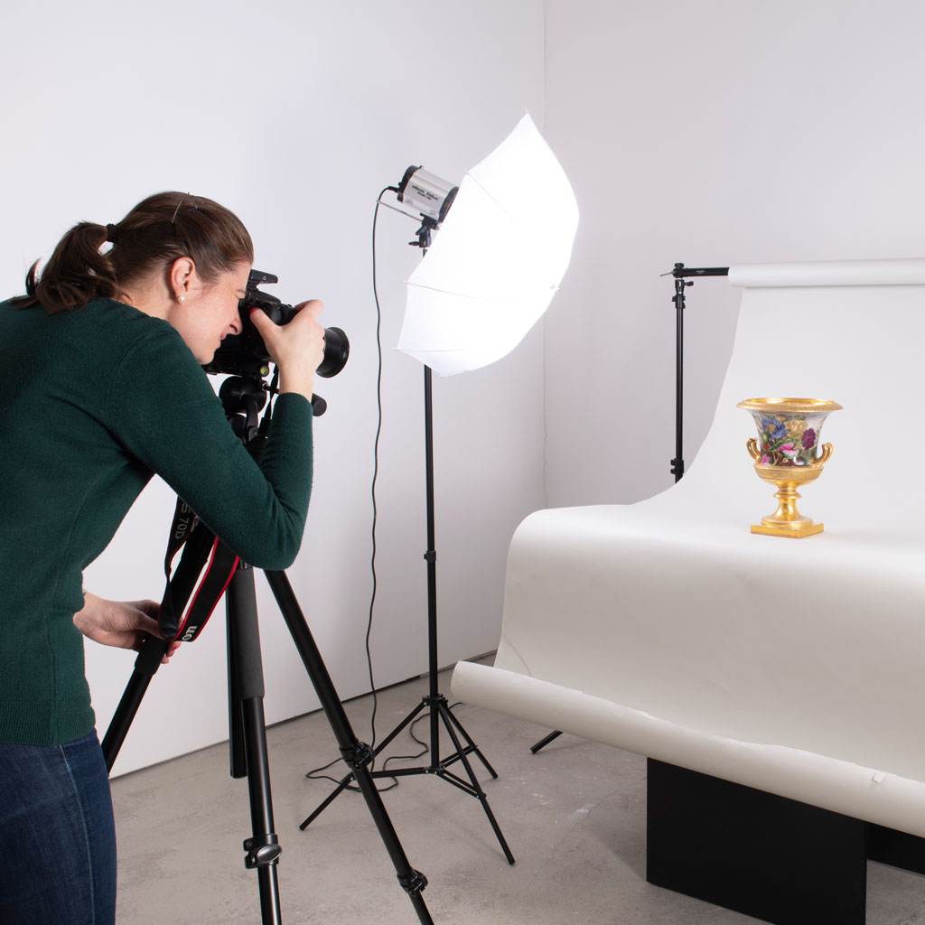 Photo studio for fine art and antiques